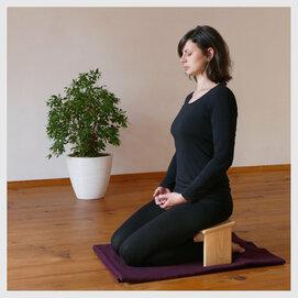 Meditationsbänkchen